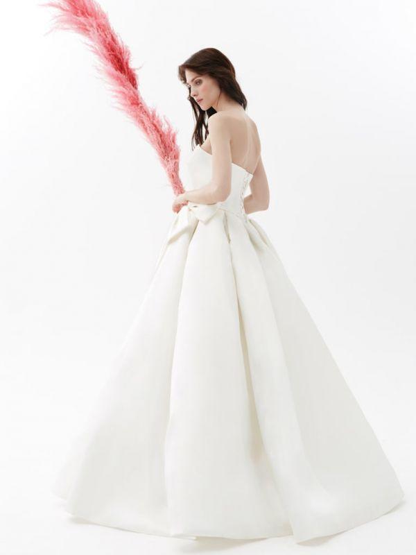 32903fbadb27785 Свадебные платья Helen Miller в Москве - салон Ваниль